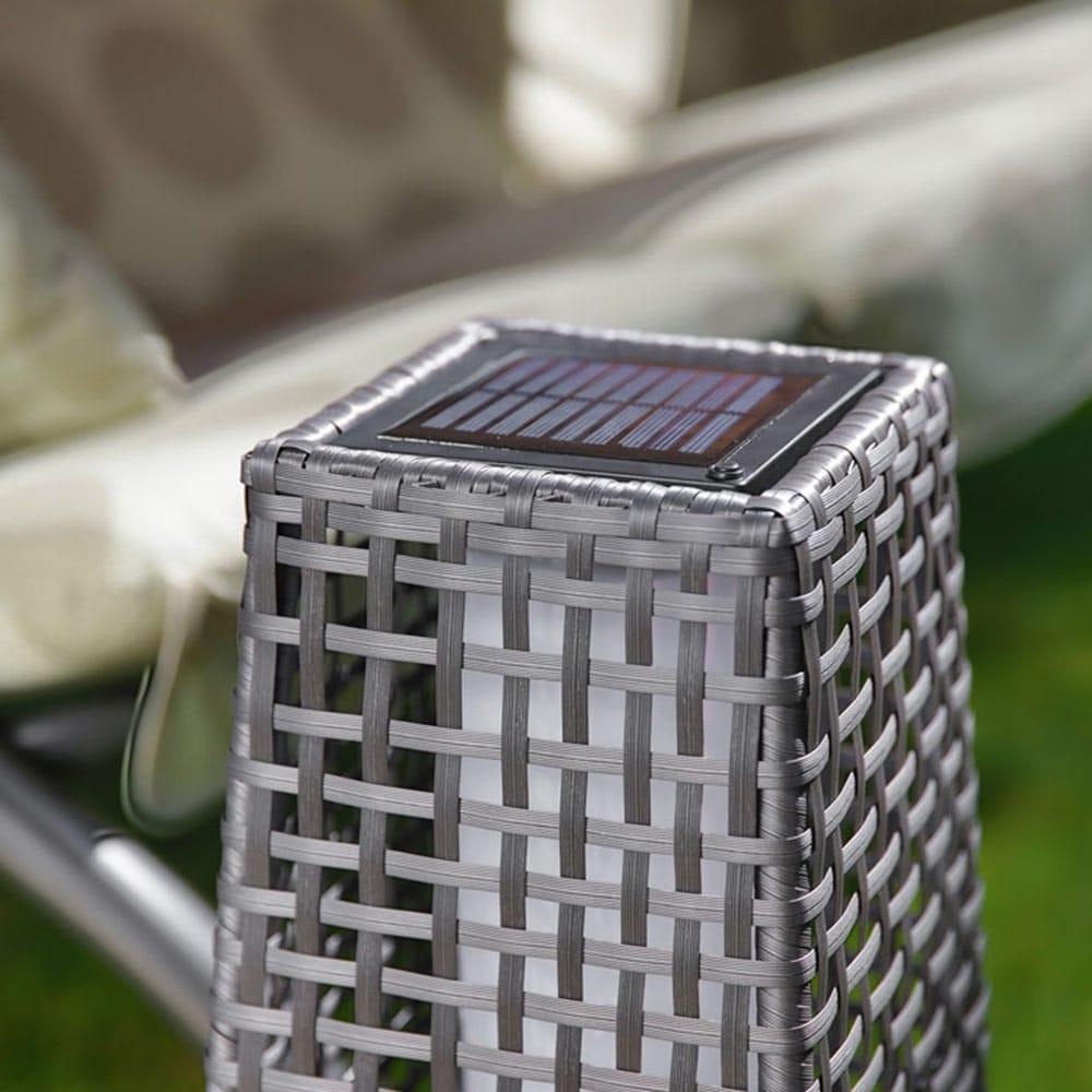 Rattanowa lampka solar popiel 19,5 x 19,5 x 68 cm PATIO