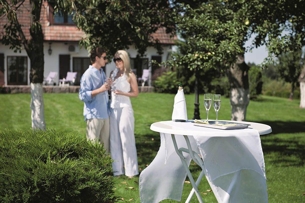 Stół zawiasowy Dine & Relax 70 cm biały PATIO