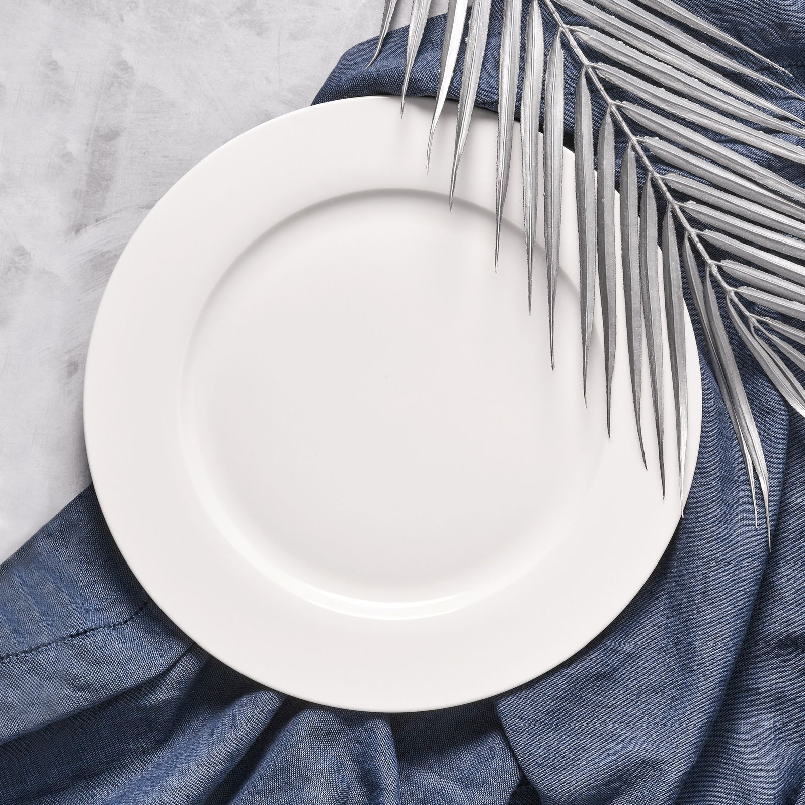 Serwis obiadowy Aura White 36-elementowy AMBITION