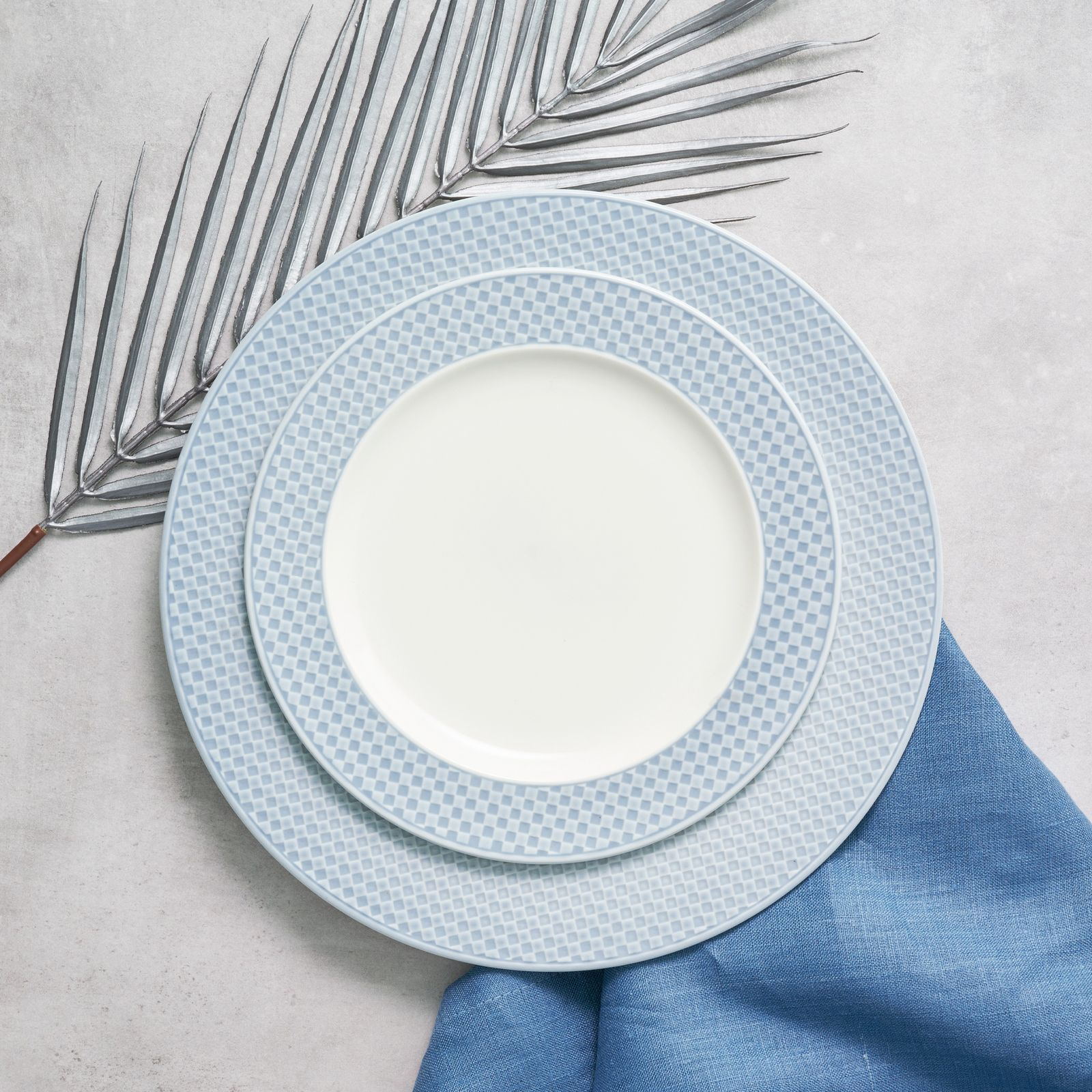 Talerz deserowy Nordic 21,5 cm niebieski AMBITION